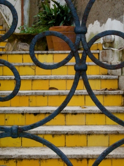 Gated Steps in Capri